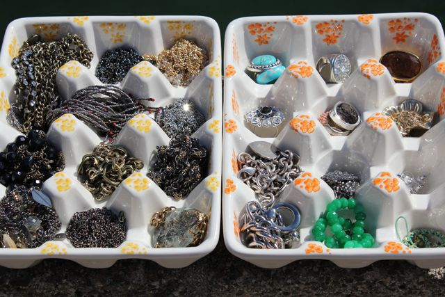 egg carton for organizing jewels