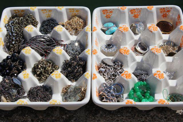 egg carton for organizing jewels