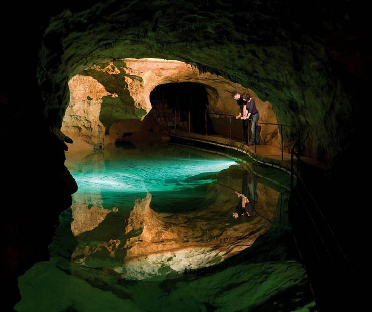 amazing_caves_natural_decoration_18