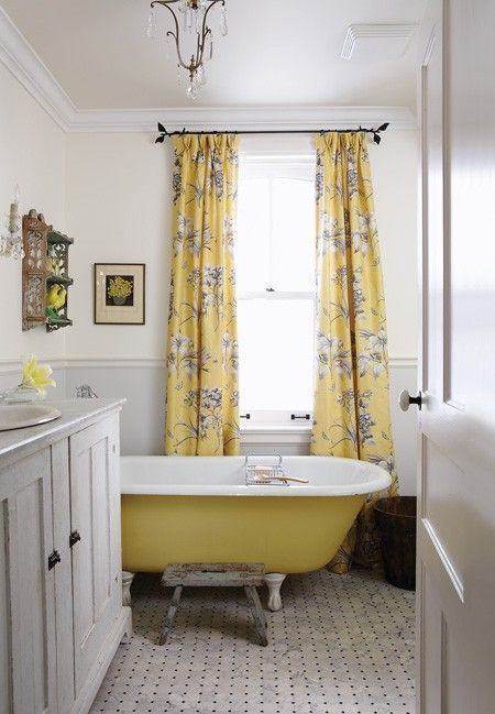 yellow bathroom 3