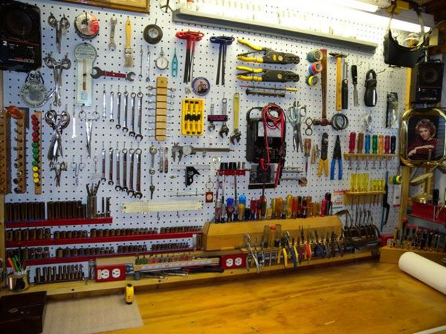 well-organized-garage-4