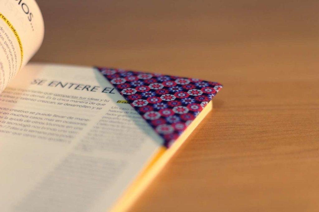 DIY-origami-bookmark-1