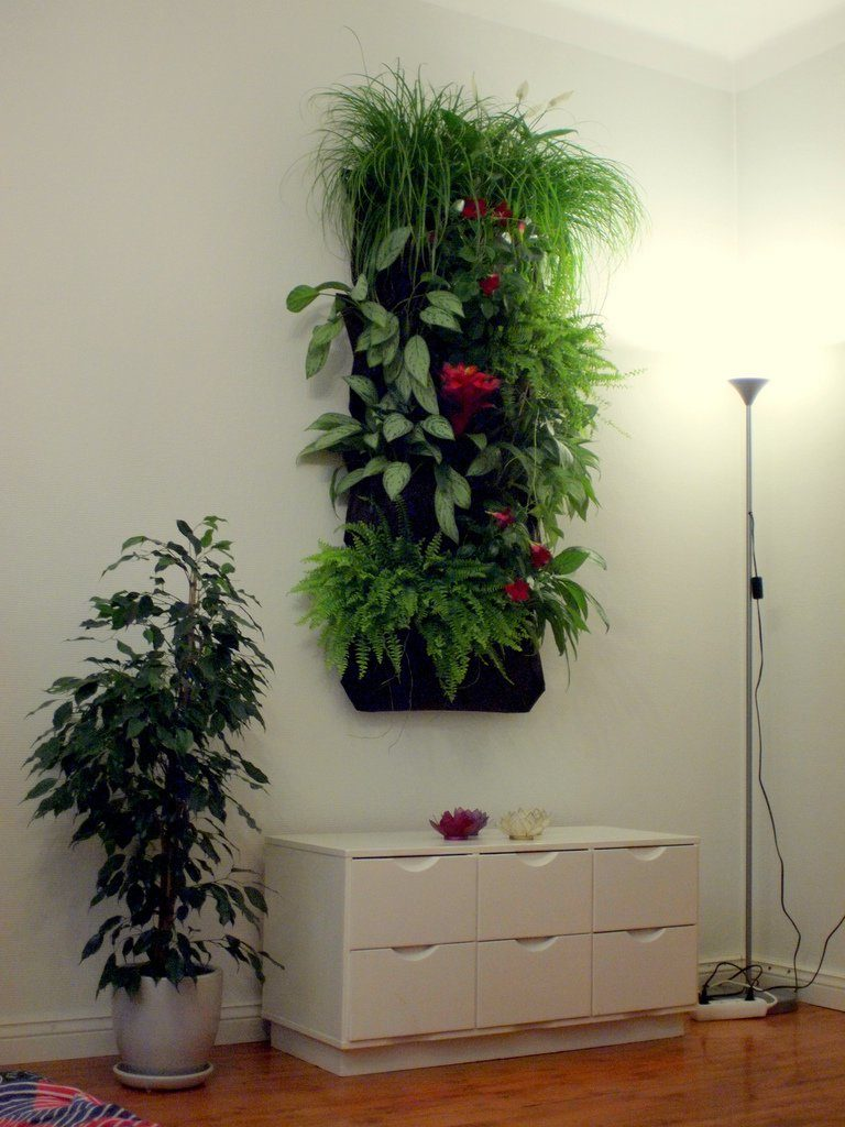 20 ideas for creating a vertical garden. Black Bedroom Furniture Sets. Home Design Ideas
