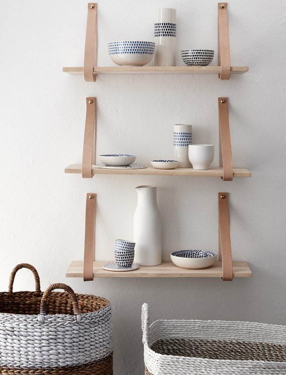 decorating-with-shelves