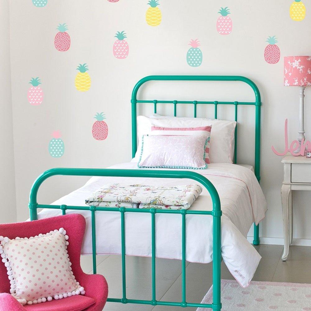 Imaginative summer bedrooms for your kids becoration - Como pintar una habitacion a rayas ...
