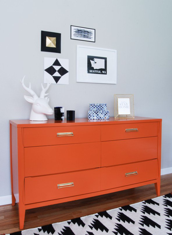 restoring-furniture-with-colours5