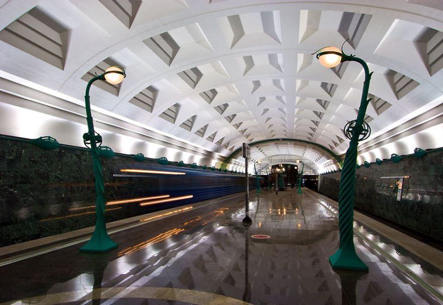 underground-station-1