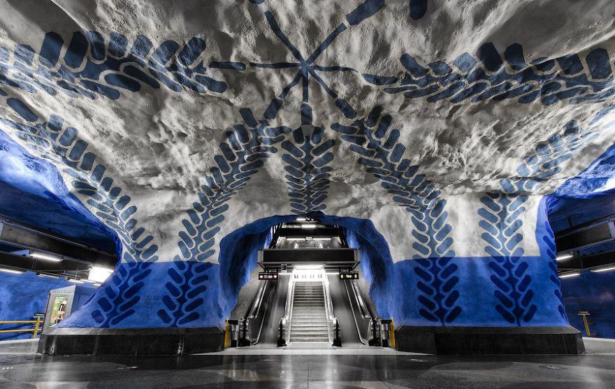 underground-station-4