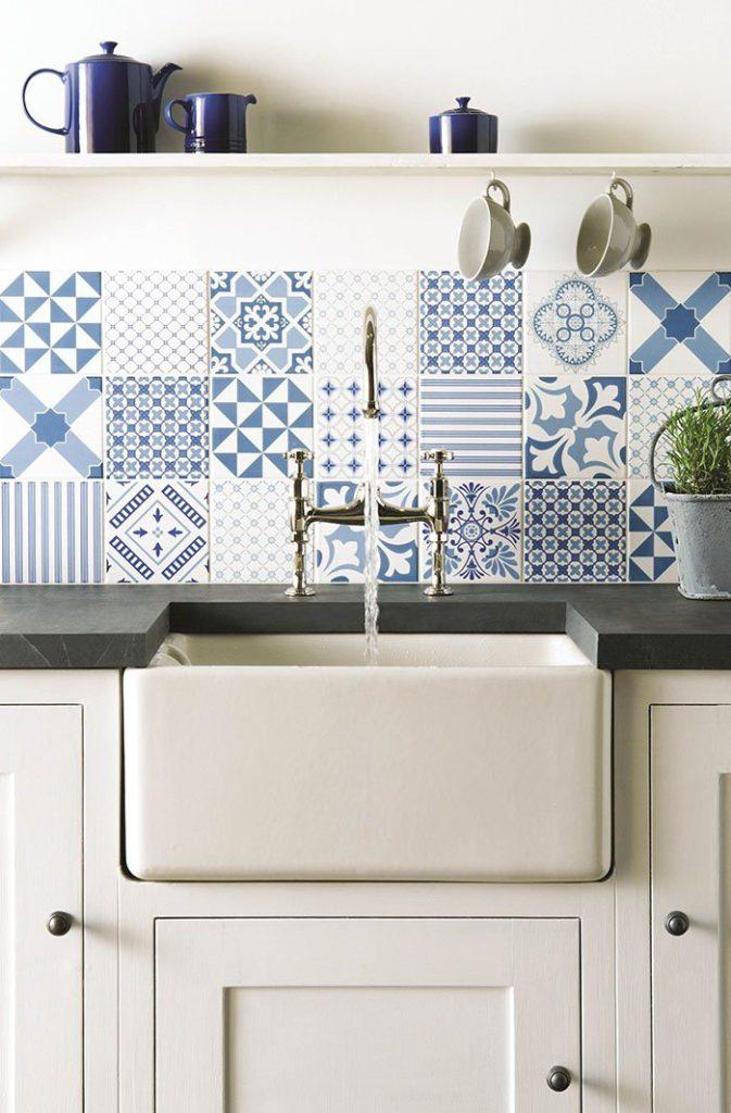 white-blue-tiles