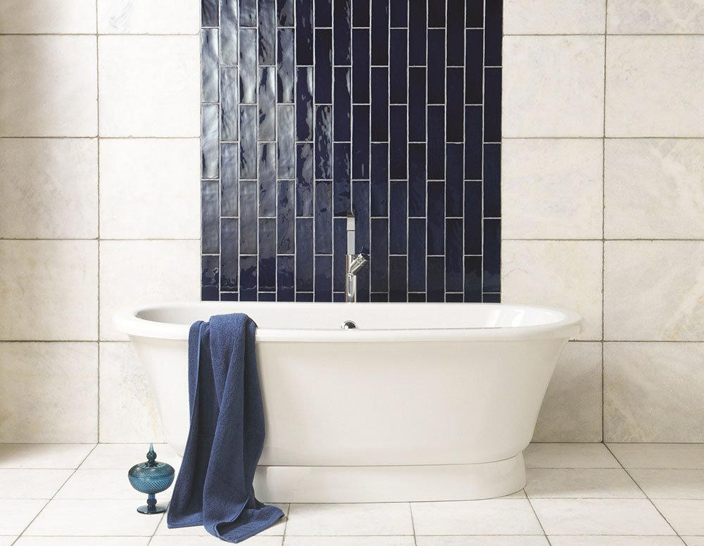 white-blue-tiles2