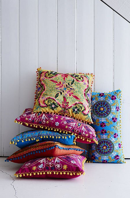decorating-with-cushions6