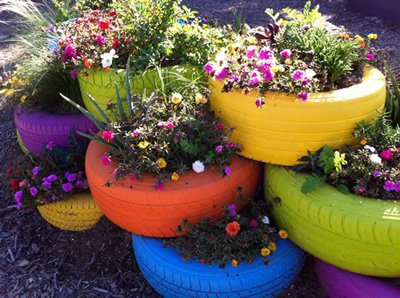 painted-wheel-flowerpot