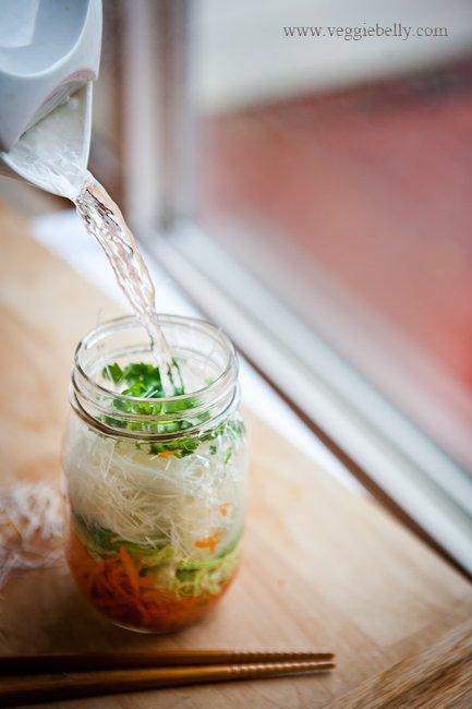 20-ways-reusing-crystal-jars18