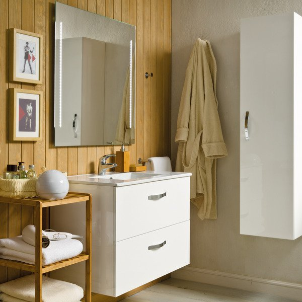 8-keys-small-bathroom-decor