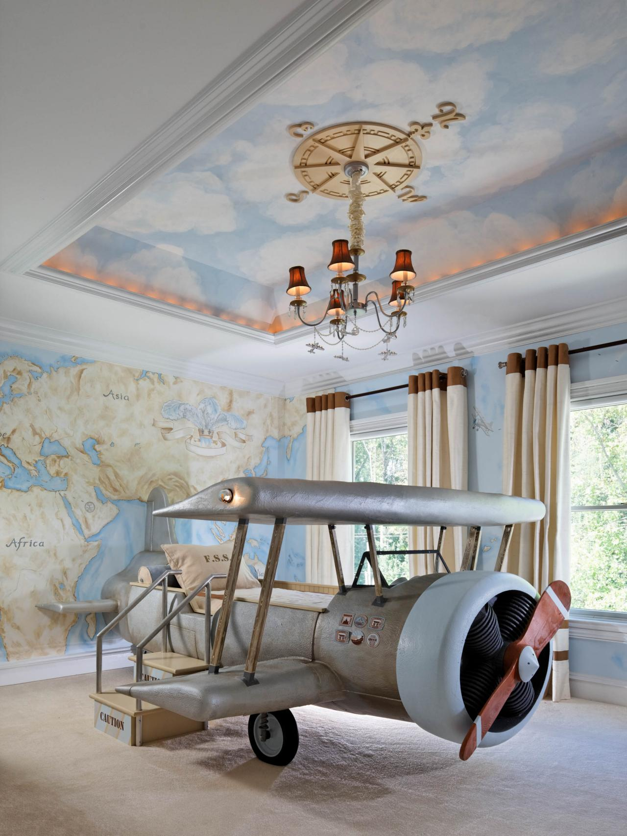 Ideas For Decorating With Airplanes
