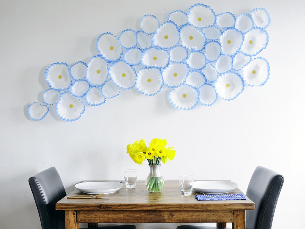 10 easy and cheap diy ideas for decorating walls for Cheap wall art ideas