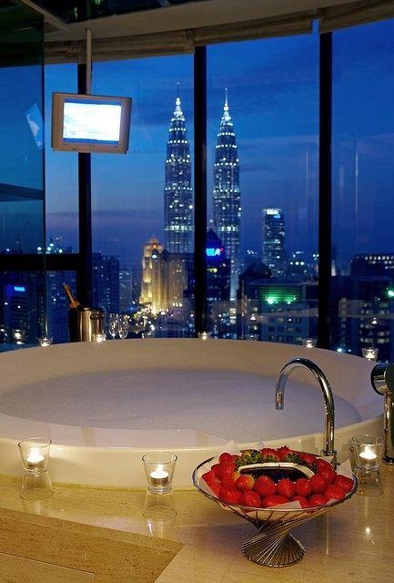 Ideas For Preparing A Romantic Bath Decoration