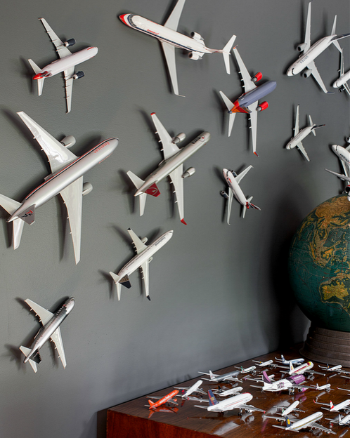 Ideas for decorating with airplanes for Airplane decoration