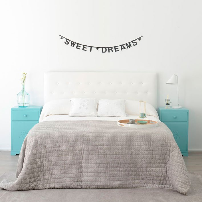 DIY ideas for decorating your bedroom walls-2
