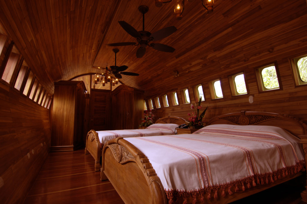 airplanes-transformed-into-hotels-hotelcostaverde7