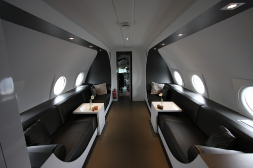 airplanes-transformed-into-hotels-hotelsuite4