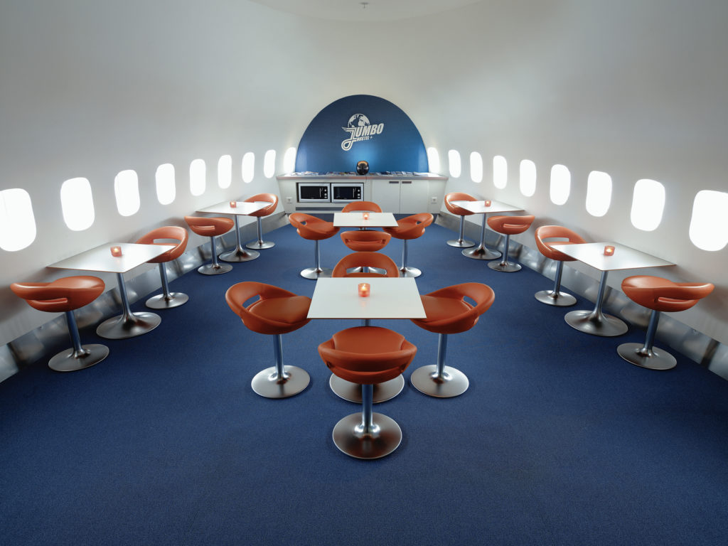 airplanes-transformed-into-hotels-jumbohostel