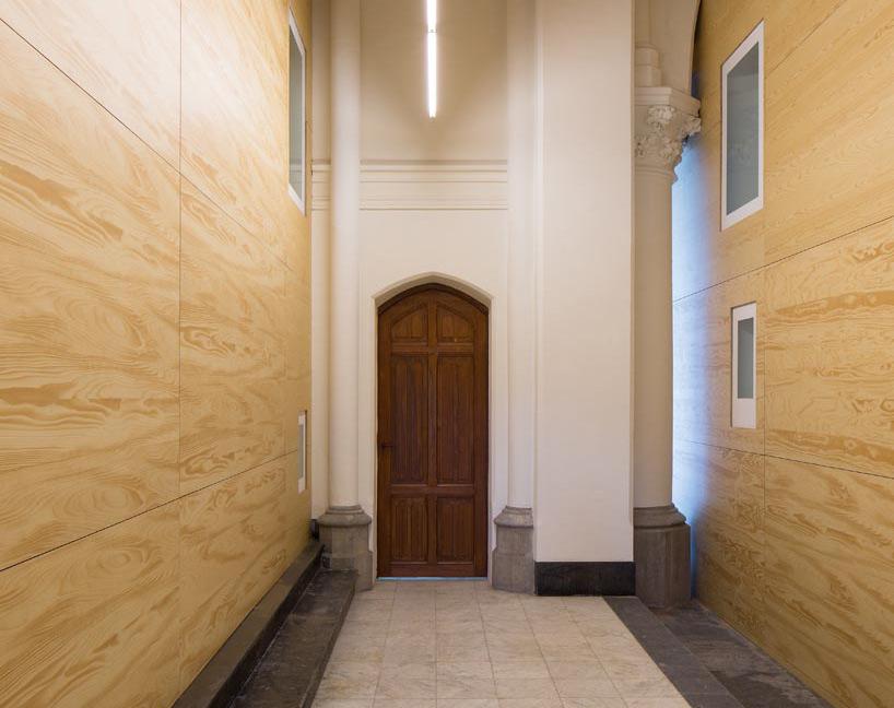 chapel8