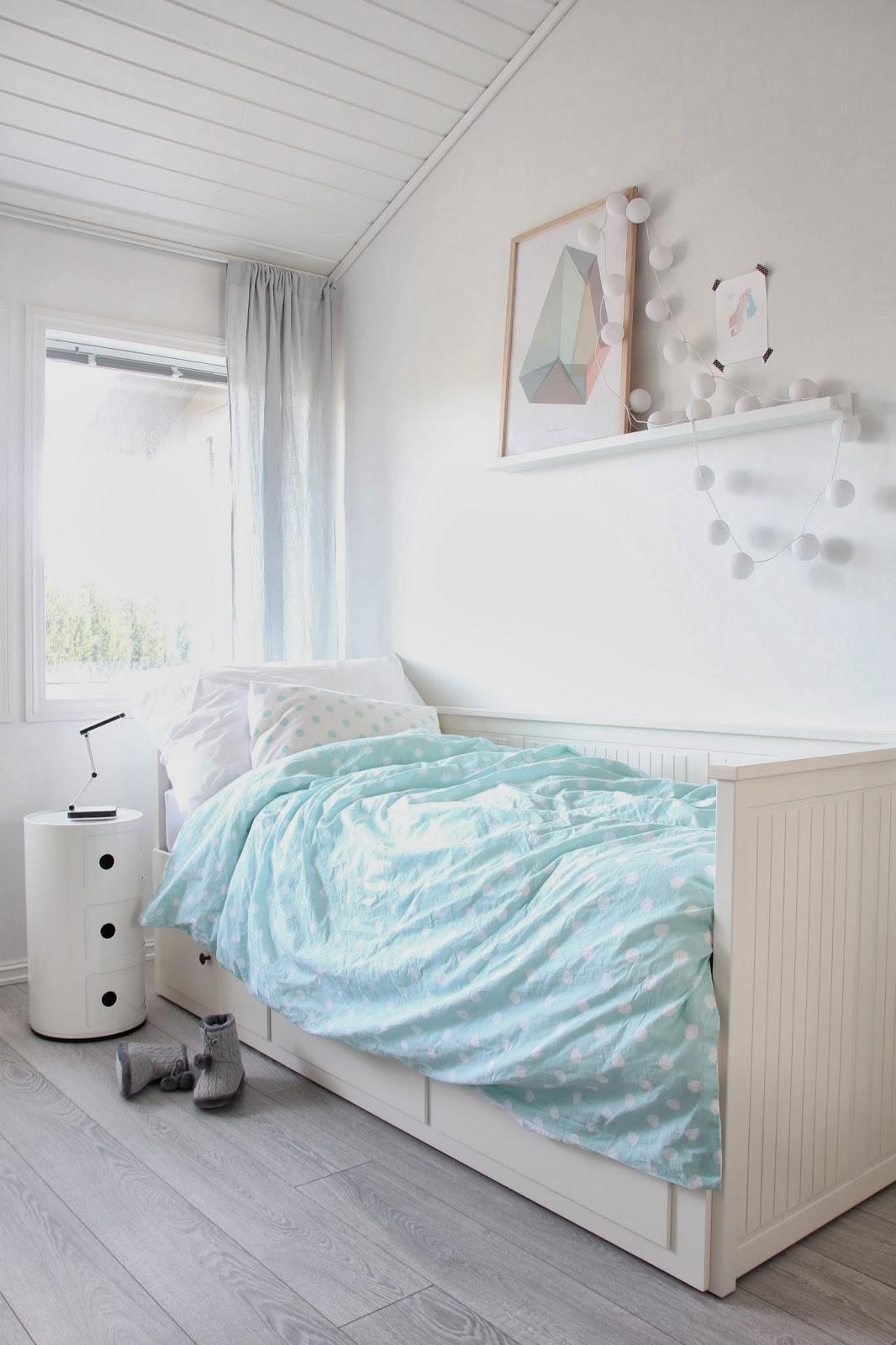Kids bedrooms decorated with scandinavian style becoration for Scandinavian childrens bedroom