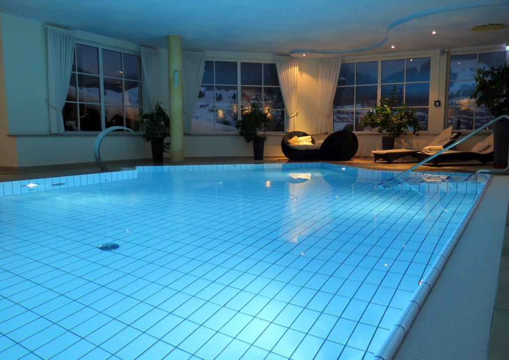 Pic 3 - Indoor pool